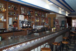 Interior del barSan Sebastián, en Cañaveral de León