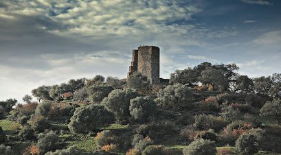 Castillo de El Cuerno en Fuentes de León, muy cerca de Cañaveral de León